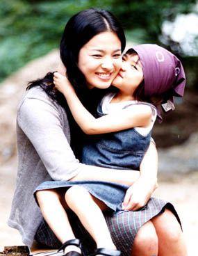 不科學的美貌進化史!宋慧喬出道20年卻越來越漂亮,5歲就看出有「女神基因」!