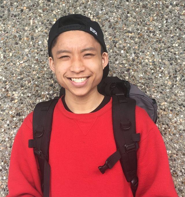 畢業前一晚華裔高中生拿出一支筆,被警察開槍打死。