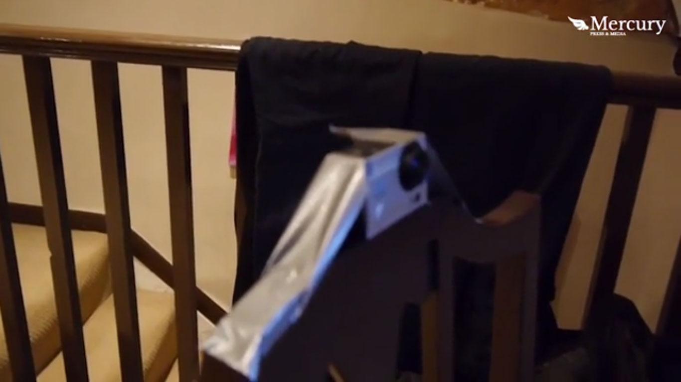 沒人相信他家有「鬼」還趕走過很多房客,他設置攝影機對著窗戶拍...畫面把網友嚇炸!(有影片)