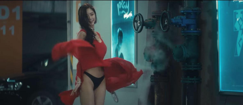 「亞洲最美D奶女星」Clara,風一吹「最美黑色風光」完全不輸D奶!