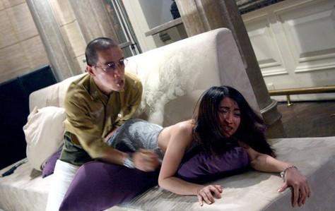 濫用職權!色警強記「女報案人地址」硬闖住家,性侵得逞將沾有精液的衛生紙帶走。