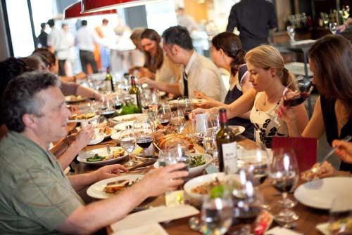 為何台灣小孩不參加家族聚餐?網解答:一堆老人的炫耀大會