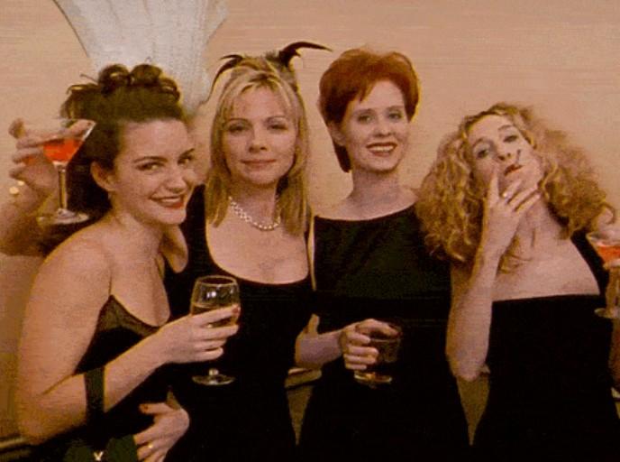13個女生友情在「16歲、21歲、26歲」不同階段的狀態。#6 你們都是在爭男友!