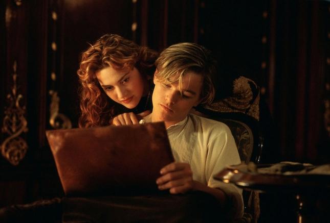 《鐵達尼號》CP「親密清晰照」曝光,完成粉絲「傑克與蘿絲」相愛美夢!