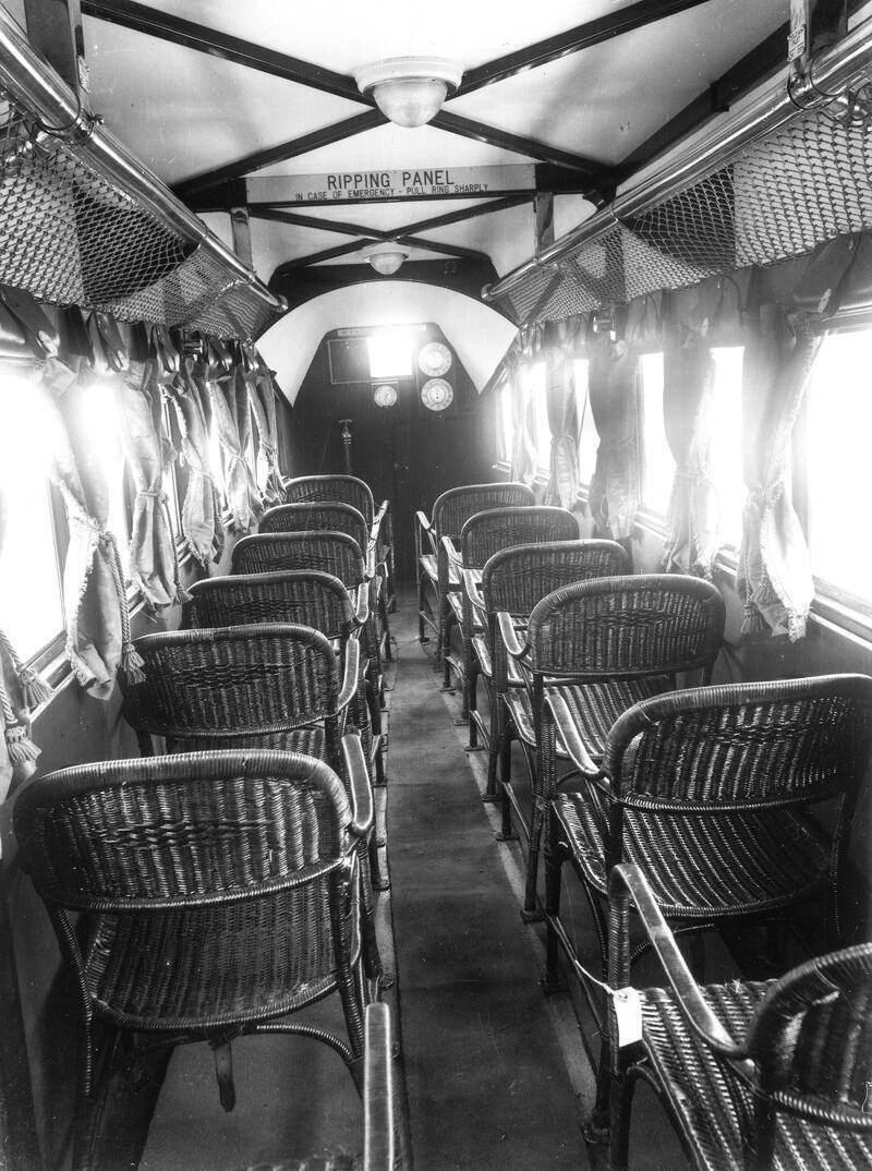18張「歷史課本都很想放」的照片 1930年客機真的好簡陋