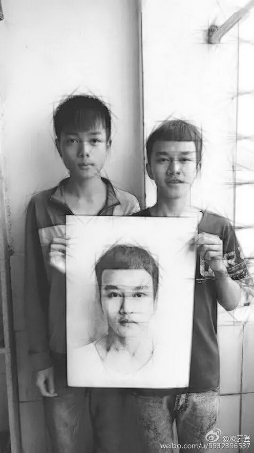 16歲男孩上課被罵「你很沒用」 卻靠著「一支原子筆」畫出所有人傻眼的百萬作品!
