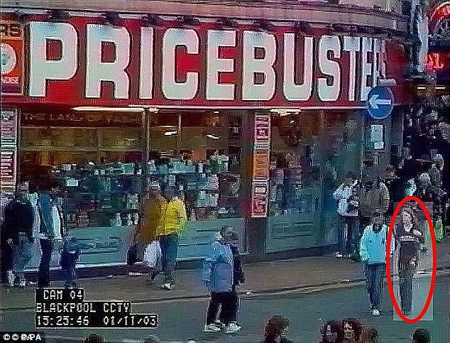 少女失蹤14年疑似遭「肢解做成烤肉串販賣」,最近公布「監視器畫面」讓警方成共犯!