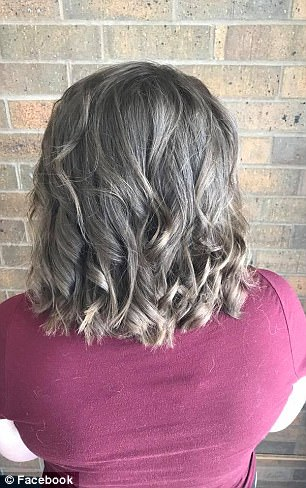 正妹理髮師拒絕幫「憂鬱症少女」剪頭髮,這霸氣的舉動感動了好幾萬網友!