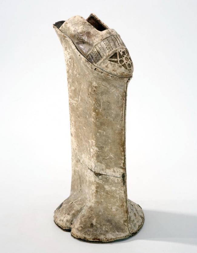 12個現在做詭異到「可能會被抓起來槍斃」的古代人才有怪癖。#6 最髒女王的腳...