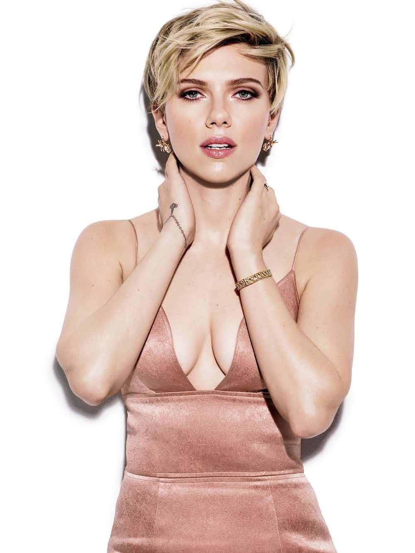 15位「讓胸罩師傅傷透腦筋」的好萊塢大波女星!#14「重量級」乳量讓觀眾眼球癱瘓...