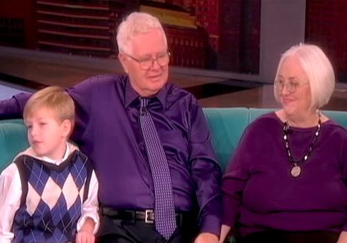 65年前小姊弟「被不同家庭收養」從此失散,65年後「房東的7歲兒」發現事有蹊蹺!(影片)