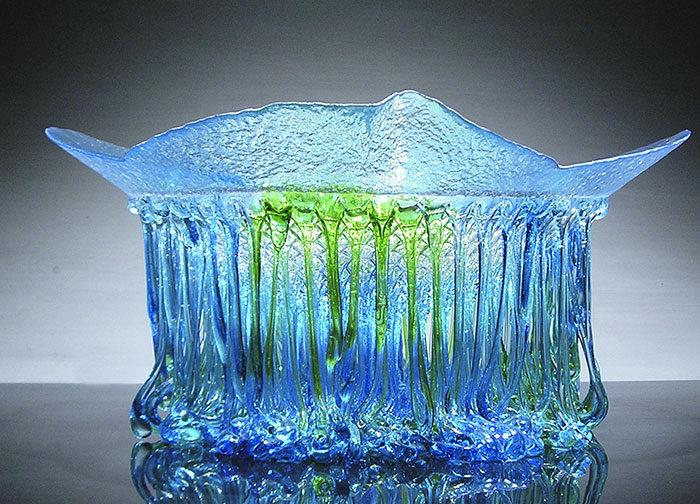 18個看起來好像是海神做出來的「水滴觸手」玻璃水母桌!