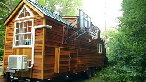 208公分前NBA球星「住進7.7坪迷你屋」,打開門「內部精緻空間設計」舒適到你出不來!(7張)