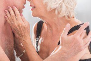 你的性生活「正常」嗎?這就是「根據年齡」你每年應該愛愛的次數!