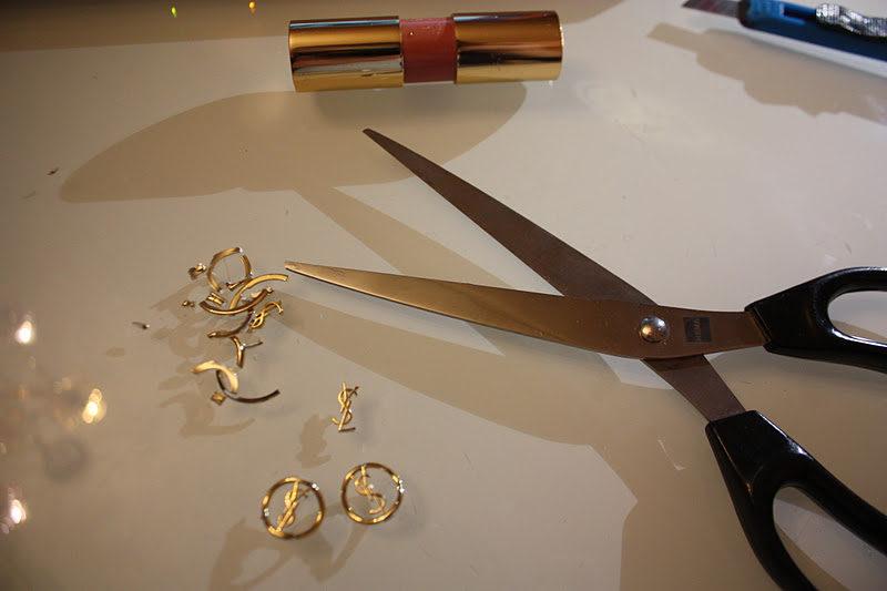 千萬不要丟用完的YSL口紅!3個步驟讓你「DIY名牌耳環+戒指」爽省幾千塊!(教學影片)