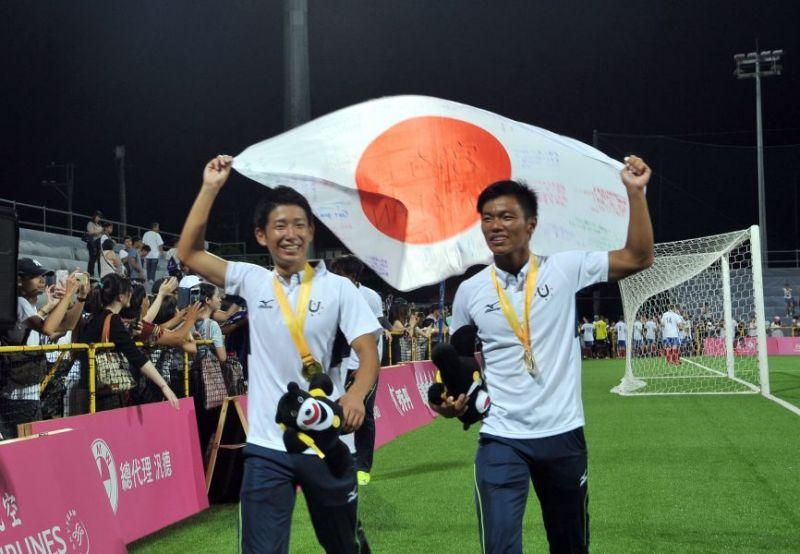 日本隊準備世大運長達1年,1:0擊敗法國風光奪金「6戰全勝」!