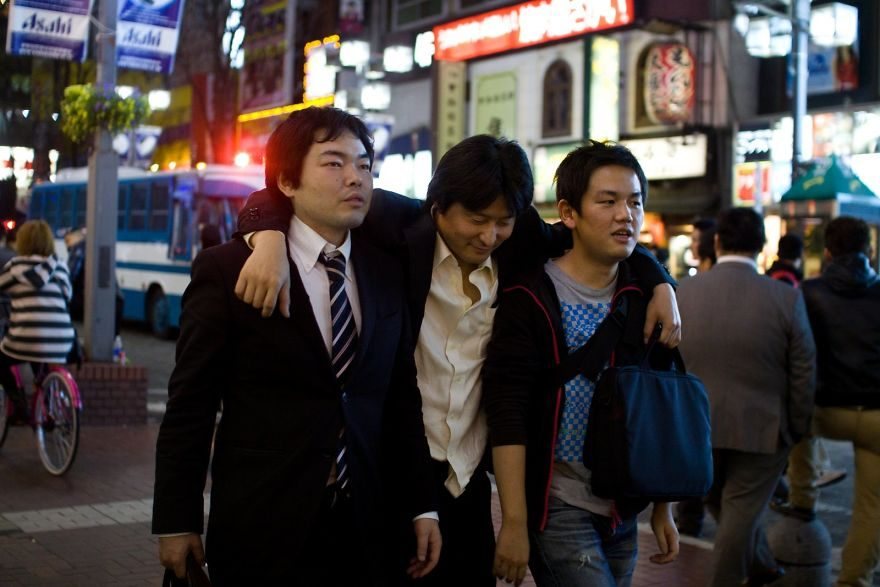 26張會讓你「不想住在日本」的日式活屍上班族照片!
