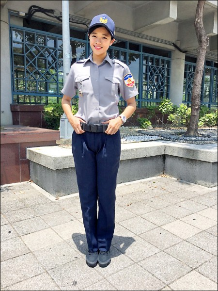 凱渥人氣女模「小舒淇」轉行當警察,卸妝後「讓人想犯罪了」!