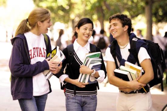 大學是爸媽在念?!5個讓學長姐白眼翻到頭頂「大一新生超白目行為」,#2 用Line伸手牌!