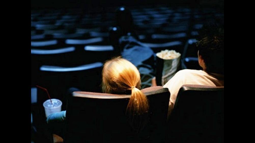 信義區看《安娜貝爾2: 造孽》「第一排全空」外全場爆滿,靈異體質老公:「第一排是滿的...」
