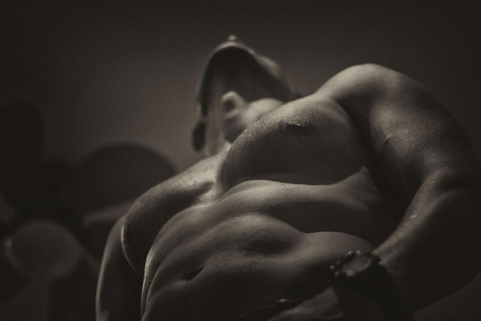 科學研究警告,女生如果找「肌肉男」當男朋友會超後悔!