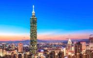 他問「從大陸回台灣工作好找嗎?」開啟網友最悲哀的門:「看不到未來與希望的地方...」
