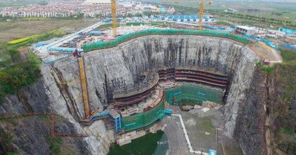 把百尺深「垃圾坑」打造成五星級酒店「水下客房最搶手」,現在完工成為世界最狂景觀!