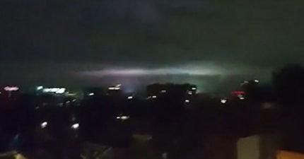 墨西哥百年來最大8.4級地震58死,天空出現的詭異藍綠光!民眾:外星人來了
