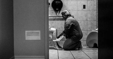 護士帶「剛生產媽媽」上廁所照片感動到2.4萬分享,媽媽們分享「天使護士經歷」證明護士就是你第二個媽媽!