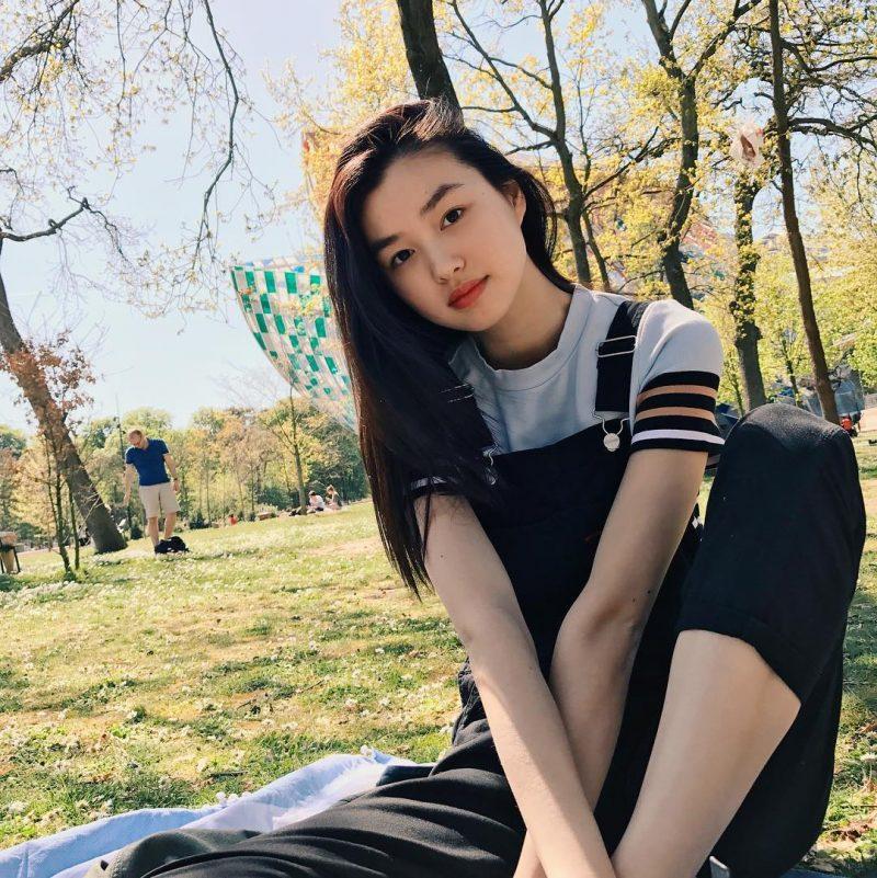 她成為《維多利亞的秘密》最年輕中國天使超模!胸前也很偉大!