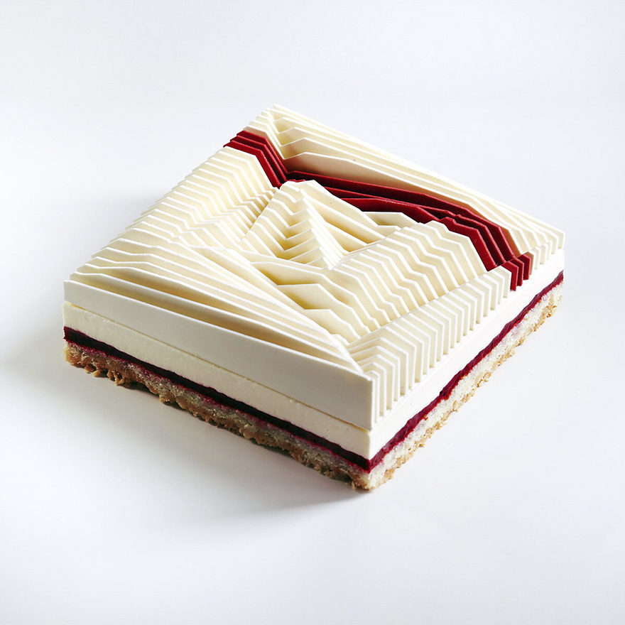 建築設計師用之前的經驗「烤蛋糕」,做出25種史上最獨特的「幾何蛋糕」! (25張)