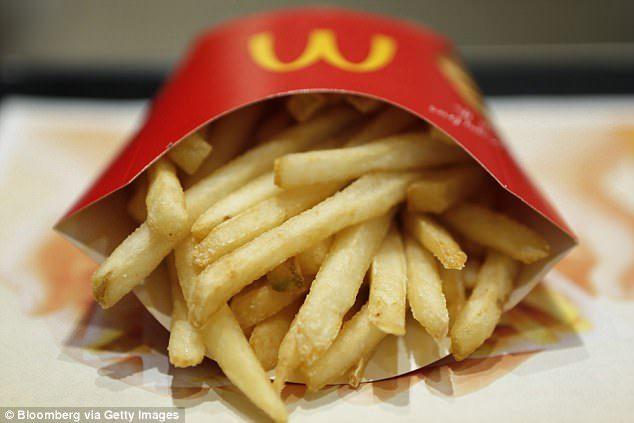 薯條總是「看起來很多」但吃幾口就沒有了?前麥當勞店員爆:用「秘密技巧」製造假象!