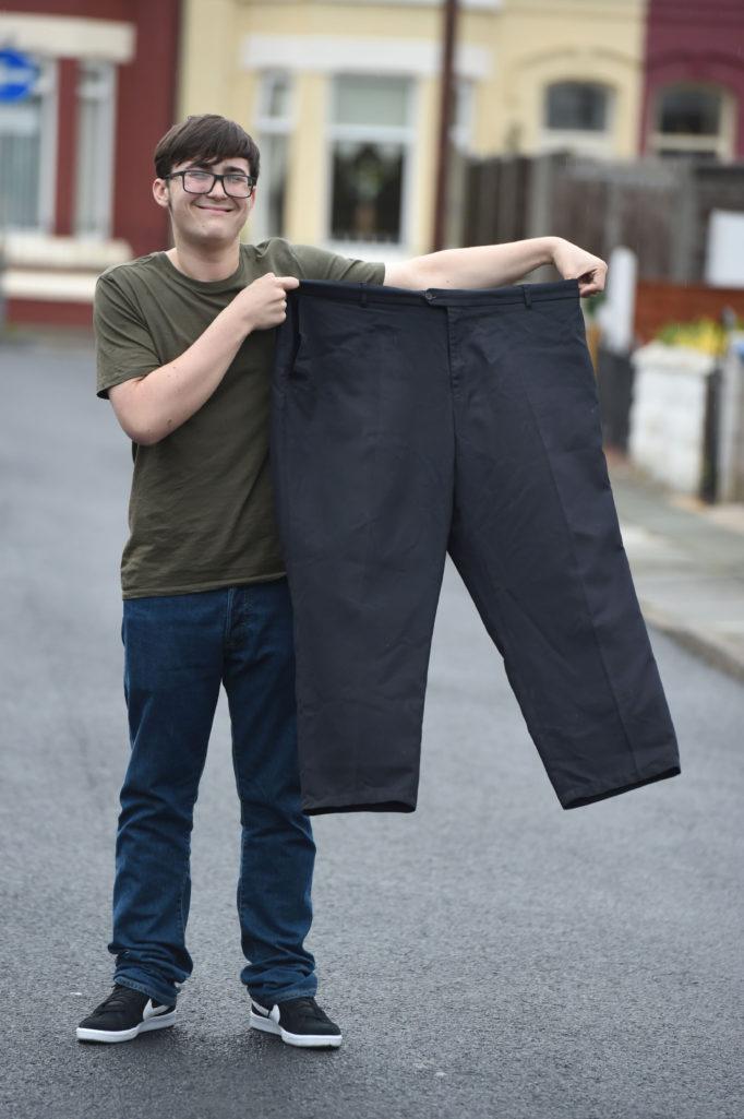 140公斤男生曾以為「只有做手術」能拯救他,最後靠「一個簡單改變」減掉半個自己!