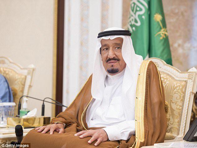 史上頭一遭!沙烏地阿拉伯終於解禁「允許女性開車」!反對人士怒:女生開車容易濫交!