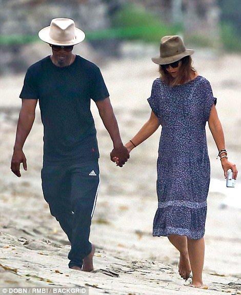 湯姆克魯斯「10多年好友」和前妻甜蜜牽手,隱瞞4年終於曝光坦承「覺得被背叛」!