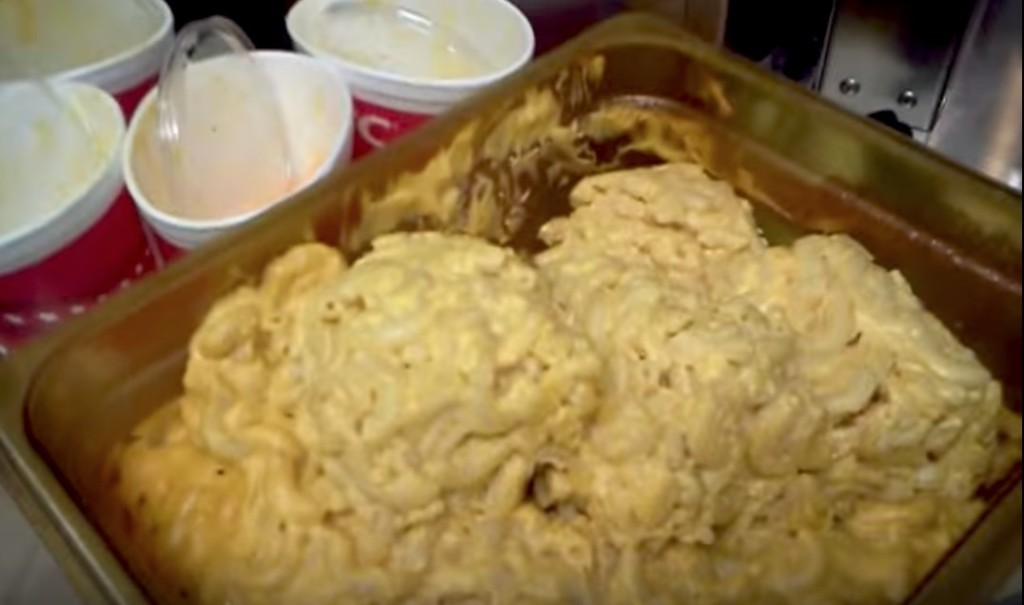 KFC員工忍不住爆料「店內超噁心規定」!網友:「難怪偶爾味道怪怪的...」 (影片)