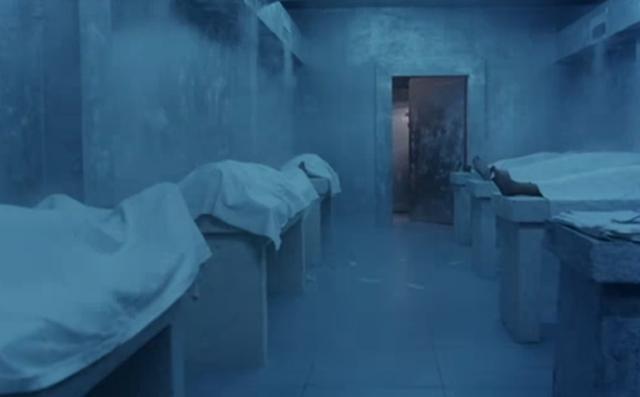 死者死前就發現他GG超大,死後醫生揪團去停屍間「欣賞死人神鵰」慘被抓包GG。