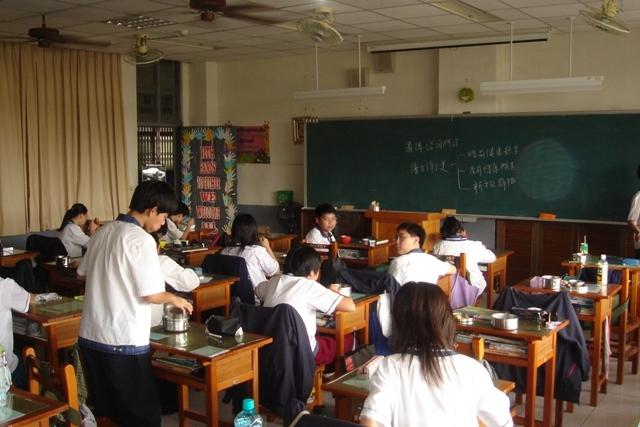 34張讓人看到「世界各地學校教室」的真實模樣!台灣的教室有點幸福喔!