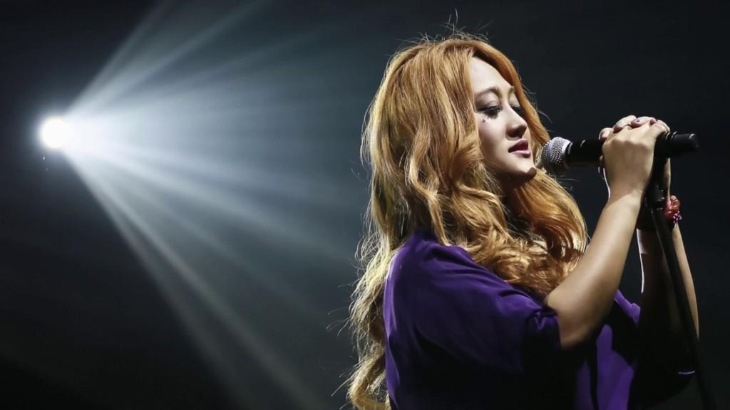 「我錯很大!」歌手家家世大運表演PO文道歉,她讚「妳已經99.9分了」!(影片)