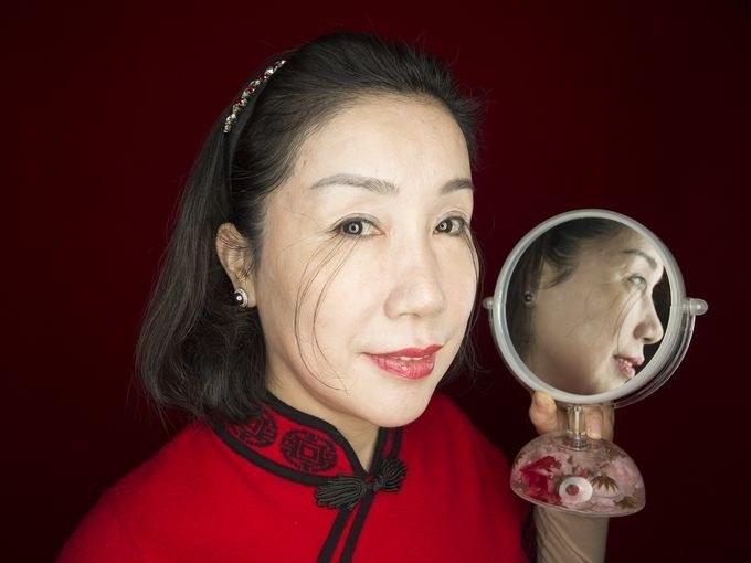 世界上最長12.4公分眼睫毛!創下金氏世界紀錄「一往上拉超噁」!(超噁)