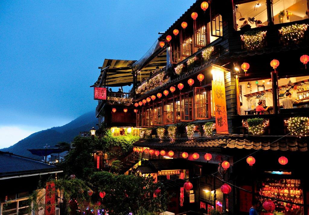 台灣攤販起死回生!陸客強勢回歸,業者爽到差點岔氣「飯店幾乎全客滿」!