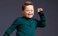 唐氏症小男生擔任「知名品牌模特」,讓全世界唐氏兒童看得都充滿希望!
