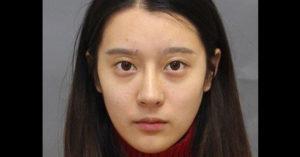 19歲超美少女自稱「喵喵醫師」在自家地下室開「無照醫美診所」被逮捕!