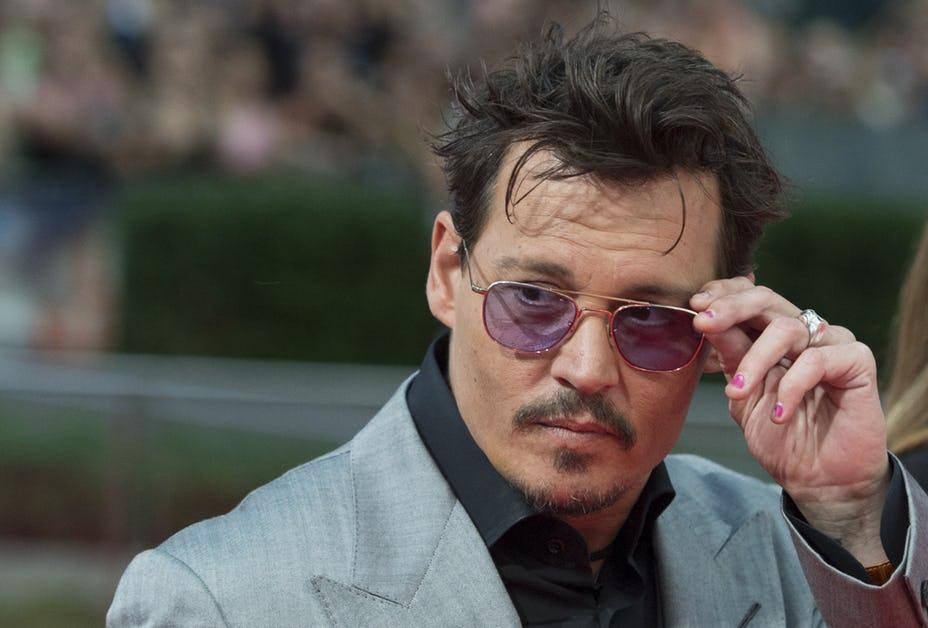 8位明明賺很多但「瀕臨破產」的好萊塢明星,強尼戴普「月花6000萬」過土豪奢侈生活!