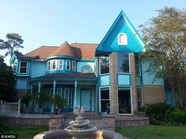 夫妻將自家房子「漆成超狂顏色」後,收到鄰居「死亡威脅」和上百則辱罵!