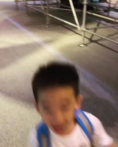 小小春來台灣了!應采兒IG發文洩行蹤,被恐龍嚇到「原形畢露」網友融化惹:想巧遇!