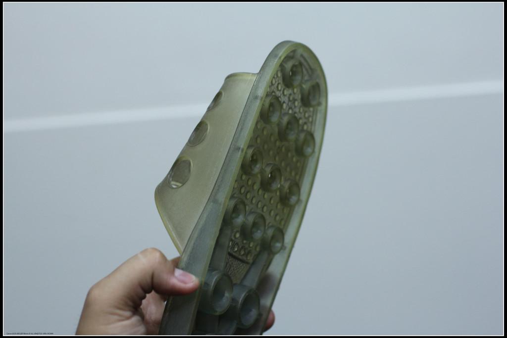 用拖鞋打蟑螂更會讓牠們數量越來越多!還會使人類感染疾病!
