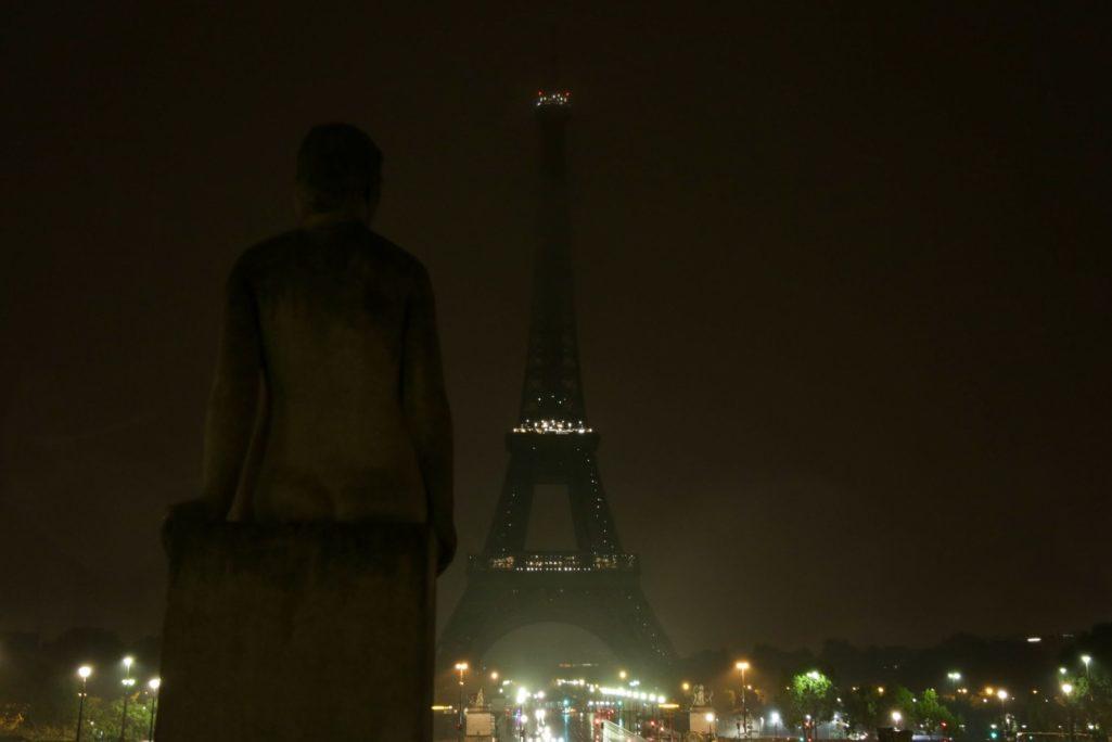 曾為巴黎熄過燈,法國宣布「巴黎鐵塔午夜熄燈」回敬拉斯維加斯!