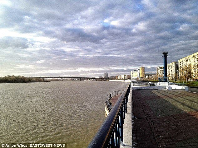 25歲年輕媽媽剛分手想「跳橋自盡」,還沒有走到橋上就先被人強暴...