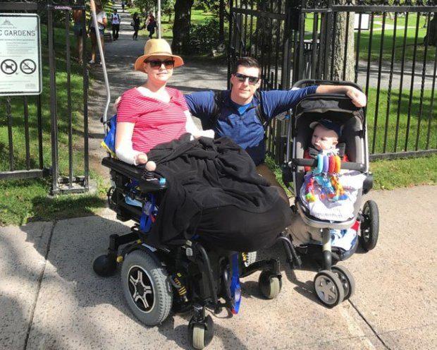 新手媽媽產子出院後肚子痛醫生以「只是便秘」打發,最後四肢+子宮被迫切除!律師:「嚴重醫療疏失」告到底